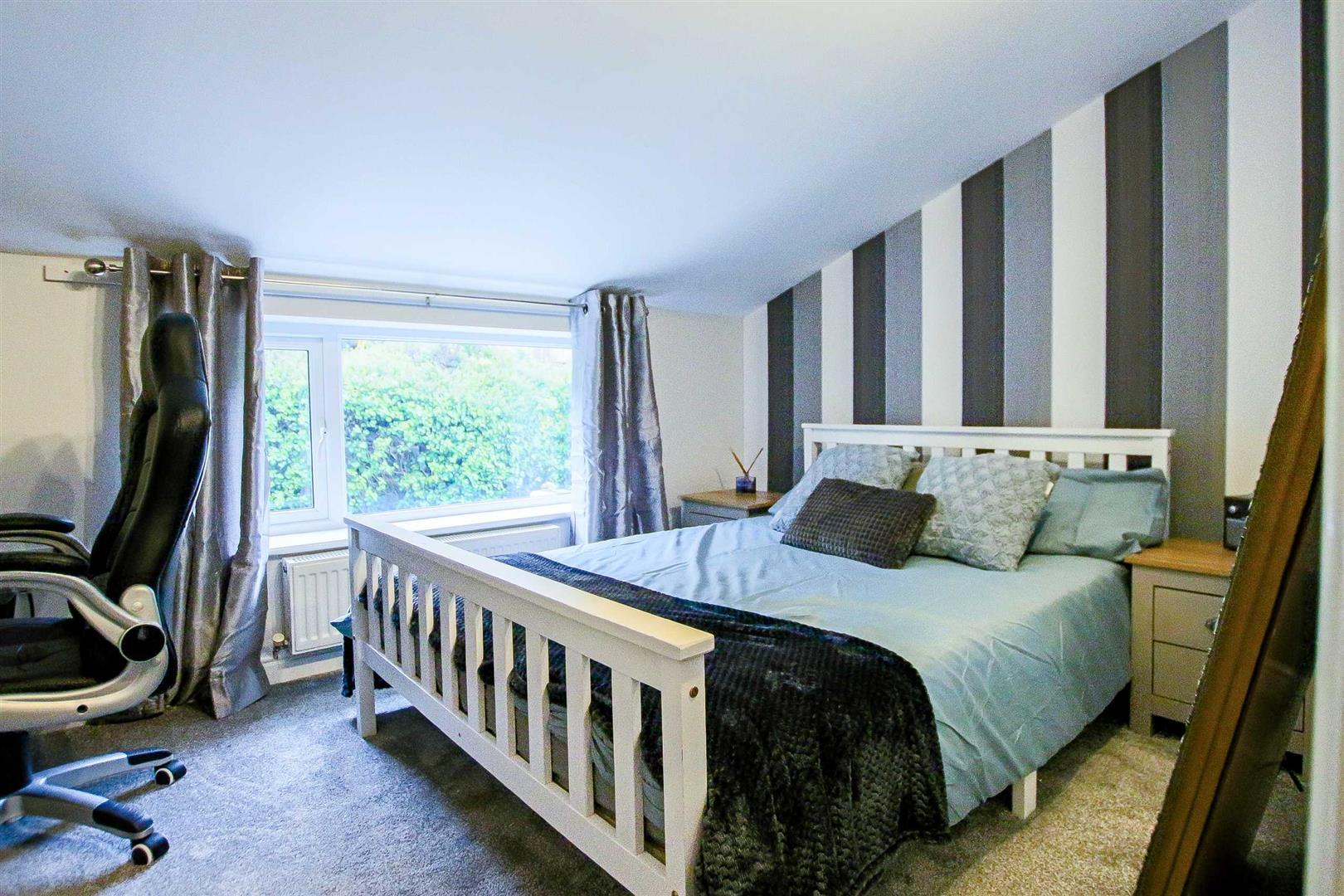 2 Bedroom Terraced Cottage For Sale - Image 10